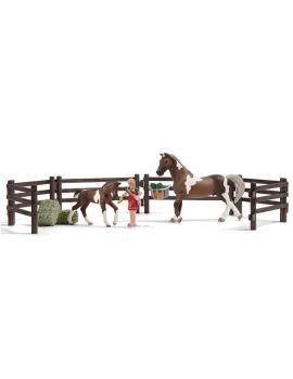 Schleich 21049 Farm Life Playset Pferdefütterung